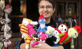Ev Hanımları İçin Ek Gelir Yöntemi: Evde Bez Bebek Yaparak Para Kazanmak